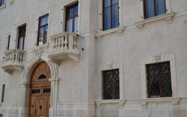 Palazzo im neoklassizistischem Stil