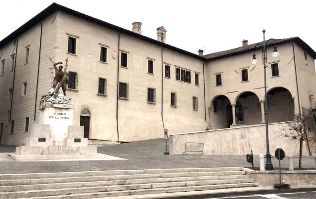 Palast mit Elementen aus der Renaissance und Gotik