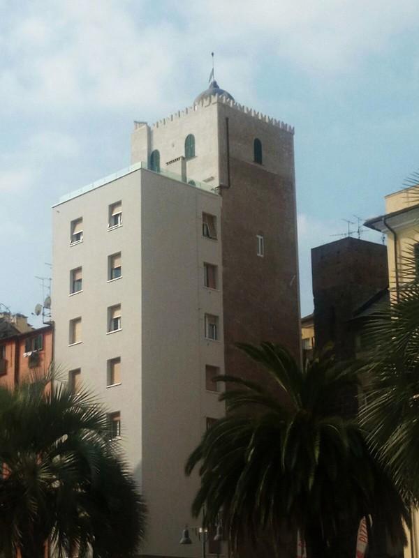 Torre Ghibellina - Piazza Salineri